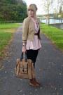 Light-pink-thrifted-vintage-blouse-black-forever-21-top-black-primark-jeans-