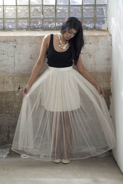 Off White Dahlia Skirts, Black Asos Bodysuits, Eggshell Zara Flats ...