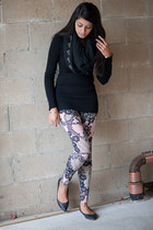 black Wet Seal sweater - light pink Wet Seal leggings