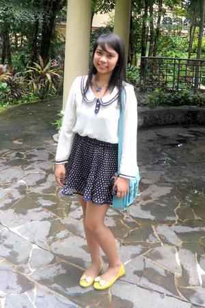navy polka dot skirt - light blue satchel bag - white top - yellow ribbon flats