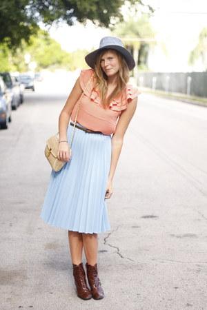 crimson vintage boots - violet thrifted hat - carrot orange Forever 21 shirt - p
