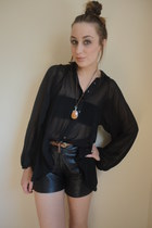 black Ebay shirt - black leather vintagetage shorts