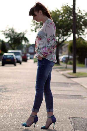 ivory Primark top - turquoise blue SheLikes shoes - navy Topshop jeans