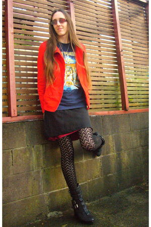 red H&M blazer - blue IRON MAIDEN t-shirt - black Jeffrey Campbell boots - blue