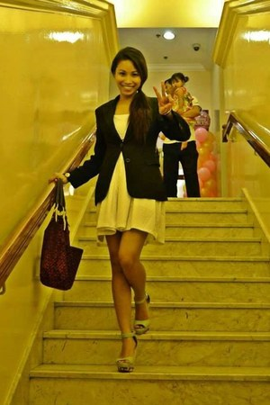 ivory TrippySwag dress - black blazer - magenta Tommy Hilfiger bag