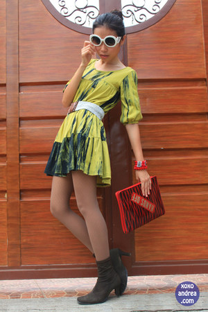 chartreuse sisters blouse dress