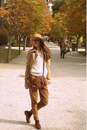 camel H&amp;M hat - camel Stradivarius blazer - burnt orange bag