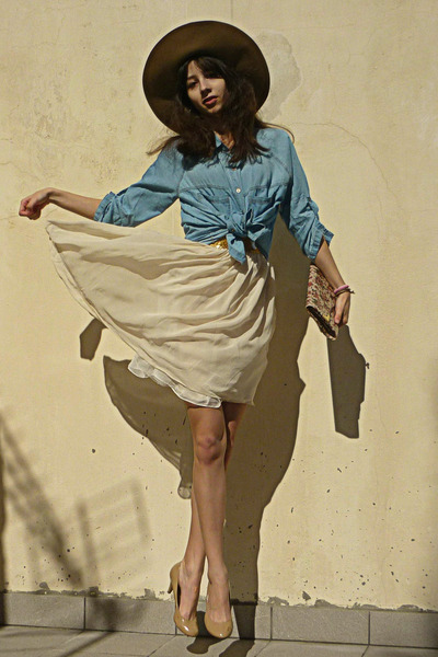 sky blue denim Stradivarius shirt - ivory dress - camel H&amp;M hat
