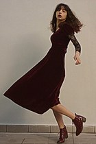 crimson boots - crimson velvet romwe dress - crimson velvet Chicwish skirt