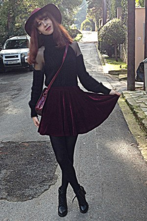 crimson velvet romwe skirt - black heel lace up Chicwish boots - maroon H&M hat