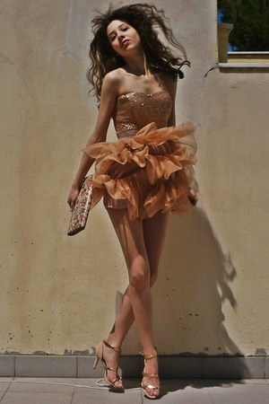neutral Zara heels - nude Tell Her You Saw Me dress