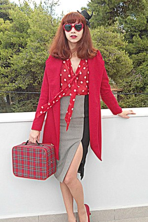 red coat - forest green suitcase vintage bag - red heart Chicwish sunglasses