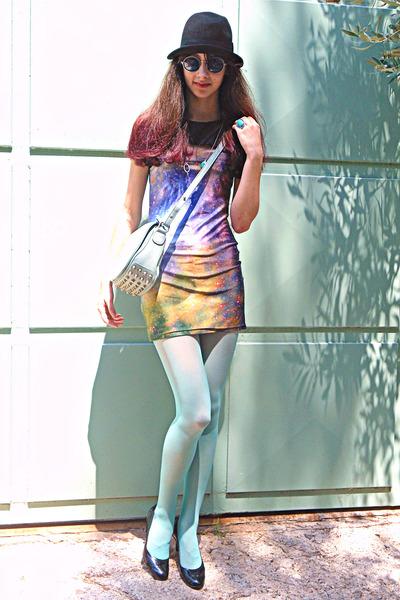 violet galaxy Chicwish dress - black hat - aquamarine tights - aquamarine bag