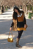 mustard lulus bag - light brown boots - light brown hat