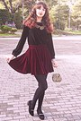 Crimson-velvet-romwe-skirt-gold-baroque-vintage-purse-black-velvet-blouse