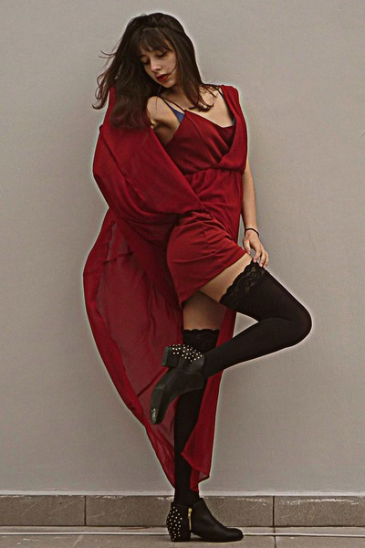 black H&M boots - ruby red Stradivarius dress - black stay ups stockings