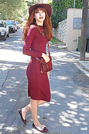 maroon dress - maroon H&M hat - crimson bag