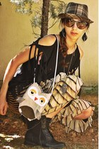 black feather Accessorize earrings - black boots - off white owl DIY bag