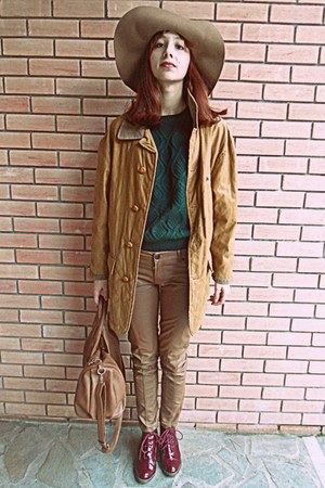 forest green romwe jumper - brick red boots - tawny vintage coat - camel H&M hat