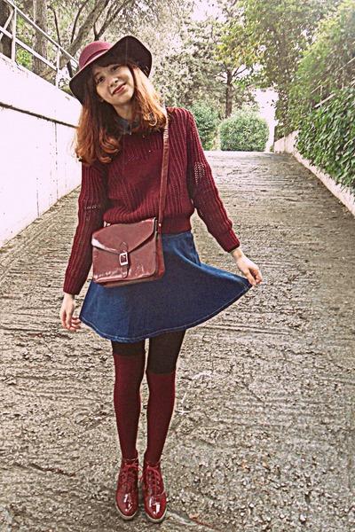 e3349bbbb95 blue denim romwe skirt - maroon H M hat - black tights - maroon bag