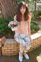light purple floral romwe pants - peach lace shirt