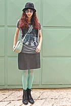 heather gray abbey road t-shirt - black boots - aquamarine tights