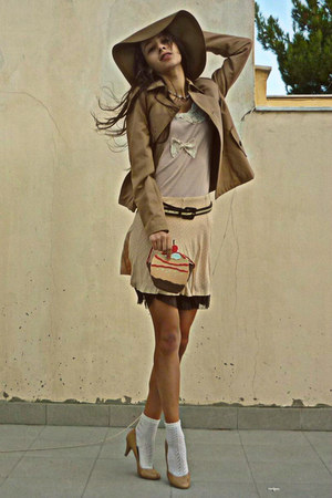 nude polka dot skirt - camel H&amp;M hat - camel Stradivarius jacket