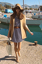 camel romwe cape - navy striped dress - ivory ted baker bag