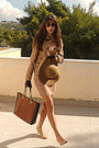 Nude-dorothy-perkins-dress-camel-h-m-hat-camel-stradivarius-jacket