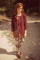 maroon romwe jumper - burnt orange brogues Bershka shoes - neutral H&M shirt