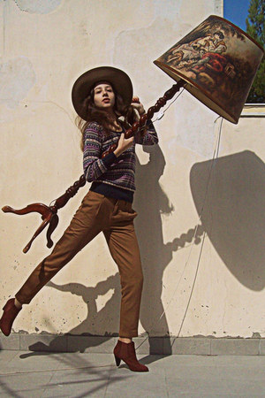 burnt orange Stradivarius pants - burnt orange H&M boots - camel H&M hat
