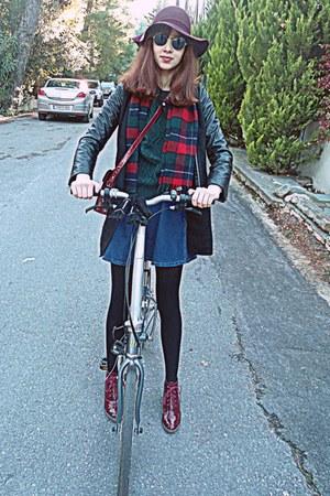 black leather sleeve romwe coat - crimson boots - maroon H&M hat