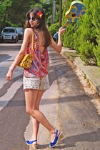 red threadsence shirt - mustard bag - ivory crochet Chicwish shorts