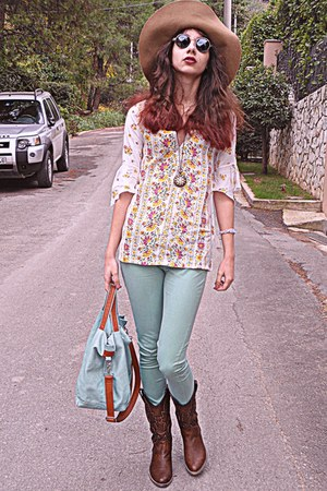 white floral blouse - dark brown boots - aquamarine bag - romwe sunglasses