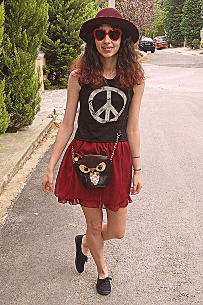 white peace sign romwe vest - maroon H&M hat - black owl bag