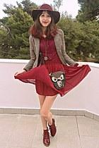 black owl bag - maroon H&M hat - beige plaid Cozbest blazer - maroon skirt