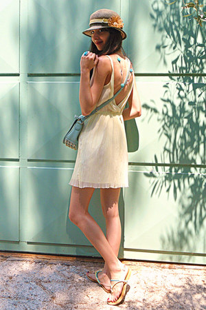 aquamarine lulus bag - light yellow Zara dress - light yellow hat