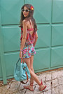Red-sandals-aquamarine-bag-aquamarine-floral-romwe-shorts