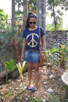navy peace top - bronze Sophie Paris bag - black charlie sunglasses