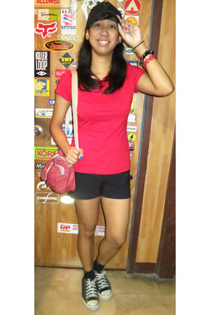 black Hurley hat - ruby red nike bag - black random brand shorts