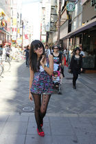 Topshop tights - Zara shorts - rayban sunglasses - casio accessories - Mitju sho