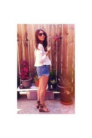 white cotton H&M shirt - navy vintage Lees shorts - Urban Outfitters sunglasses