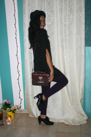 black aerosoles shoes - black really old hat - purple Forever 21 leggings