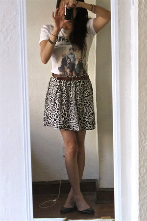 Urban Outfitters skirt - Next Level shirt - Nine West flats
