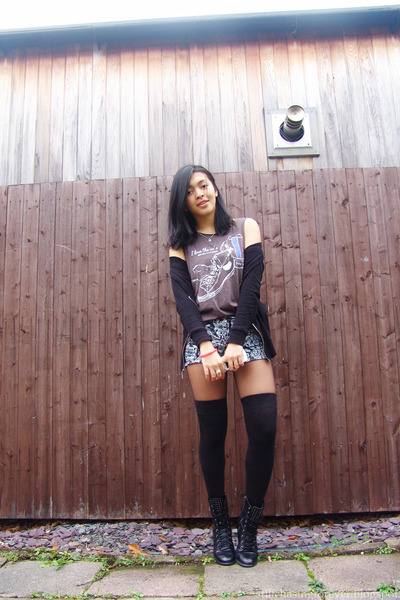black Forever 21 boots - gray Primark shirt - charcoal gray H&M shorts