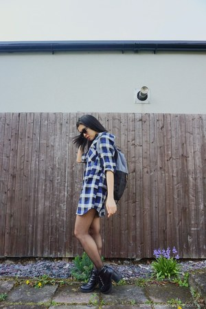 Bershka boots - Forever 21 dress - Duffer bag - Hot Topic sunglasses