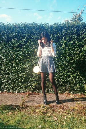 Pull & Bear boots - Marks & Spencer bag - H&M skirt - Forever 21 top
