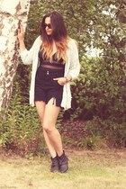 high waisted DIY shorts - black SPM boots - wayfarer Ray Ban sunglasses