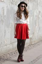red skater off brand skirt - black wool Forever 21 hat