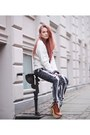 Light-brown-platform-opening-ceremony-boots-white-v-neck-boohoo-sweater